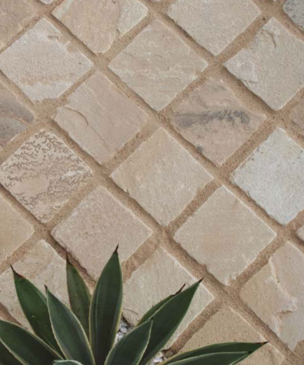 Hale Beige Sandstone Setts