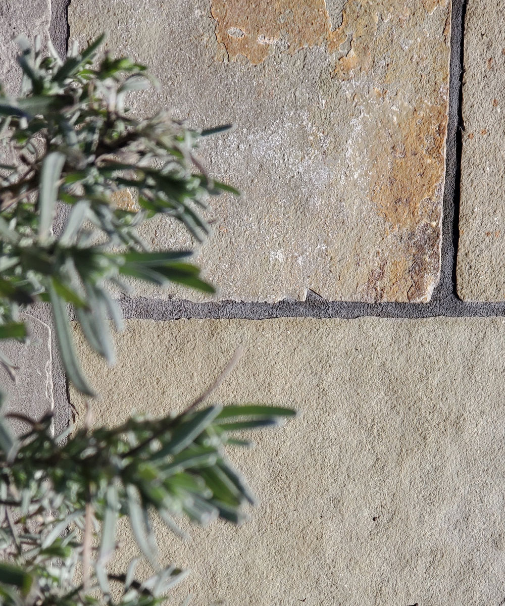 Flowpoint-Smooth-Charcoal-with-Limestone